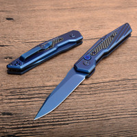 cuchillo plegable de titanio azul al por mayor-Cuchillo plegable táctico automático 8Cr13 Azul Hoja de acero recubierta de titanio + Mango de fibra de carbono EDC Navajas