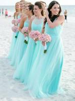 tallas grandes vestidos de coral claro al por mayor-2019 Fashion Light Turquesa espaguetis Vestidos de damas de honor Talla grande Tulle de playa Vestido de fiesta de invitados de boda barato Vestidos largos de noche plisados