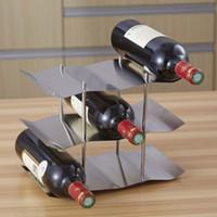 ingrosso portaoggetti in acciaio inox-Cremagliera del vino dell'acciaio inossidabile Ampia ampia bottiglia del supporto della bottiglia del vino della barra Scaffale di vino a tre ordini del vino della scaffale della bottiglia in azione