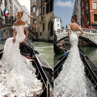 brautkleider pelz großhandel-2019 New White Julie Vino Meerjungfrau Brautkleider Backless Vintage Spitze Dubai Sleeveless Pelz Applikationen Brautparty Kleid Vestido De Novia