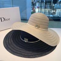 hochwertige strohhüte großhandel-Sommer Designer Caps Womens Luxus Flat Straw Cap breiter Krempe Hut atmungsaktiv Marke ausgestattet Strand Hüte 2 Farben hohe Qualität mit Markenpaket