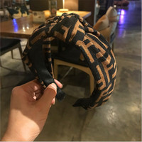cabelo de ponytail chinês venda por atacado-Novos acessórios para o cabelo das mulheres selvagens FF de abas largas letras no meio amarrado hairpin sports wash tiara hairband headband menina