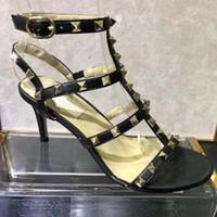 elegantes kleid sandale großhandel-Neue Sommerkleidendame für Damen, Lackleder-Stiletto mit Schnalle, elegante mittlere Absätze, 9 cm hoch