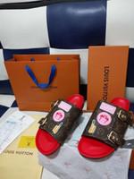 weiße mädchen flip flops großhandel-Mit Schuhen Originalboxen Leadcat Fenty Rihanna Schuhe Damen Hausschuhe Indoor Sandalen Mädchen Mode Scuffs Weiß Grau Rosa Schwarz Rutsche