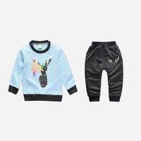 ingrosso vestito da bambino-buona qualità 2019 neonati maschi vestiti primavera autunno infantile bebe tuta cartoon coat + sport pantaloni pantaloni tuta sportiva vestiti