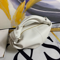 Wholesale woman design hand bag for sale - Group buy Small design fashion lady new leather versatile woman cloud pleated dumpling bag hand pillow bag