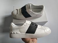 mejores marcas de zapatos al por mayor-tamaño de la manera superventas Hombres Mujeres Zapatos de lujo de diseño abierto vendaje Negro clásico de cuero real ocasional de los zapatos de diseño de marca 34-46 para la venta