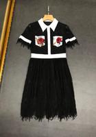 klasik inci düğmeleri toptan satış-Milan Pist Elbise 2019 Siyah Dantel kadın Elbise Lüks Inciler Düğme Baskı Vestidos De Festa ak009