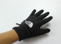 gants de marque achat en gros de-2019 marque de mode TN Sport de haute qualité Gants chauds pour hommes et femmes Gants pour écran tactile sport sport vélo ski en plein air Gants