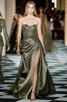 ingrosso abito sexy dell'abito dell'esercito-Zuhair Murad Army Green Mermaid Prom Dresses in rilievo senza spalline collo con paillettes laterali Split abiti da sera Plus Size Appliqued abito formale in raso