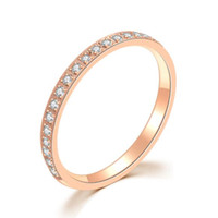 rosé vergoldeter edelstahl großhandel-Hochglanzpolierter Edelstahl 316, IP-beschichtet, Rotgold-Bandring mit Zirkonia-Inlay, Diamantimitat-Ring für Frauen-Verlobungsring