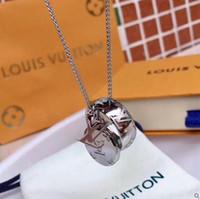 cadenas de bigotes al por mayor-Diseñador de la marca Carta Collares pendientes Lujo 316L Collar Plateado Collar de Cadena Corta Collar de Cadena de Joyería de Titanio de Moda Regalo