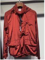 ingrosso giacca modello nuovo-Le merci di base di marea nuove coppie primavera e autunno colpiscono modelli di esplosione di moda giacca a vento cerniera cuciture giacca con cerniera