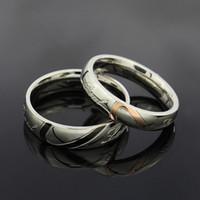bandas de casamento de 18kg venda por atacado-Casal de noivado Anéis Brand New Love Coração Aço Inoxidável 316L 18KGP Wedding Bandas De Noivado Anéis Amor Frete grátis