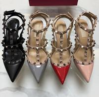 zapatos de tobillo altos al por mayor-2019 Marca Mujeres Bombas Zapatos de Boda Mujer Tacones Altos sandalia Nude Moda Correas Del Tobillo Remaches Zapatos Sexy Tacones Altos Zapatos de Novia