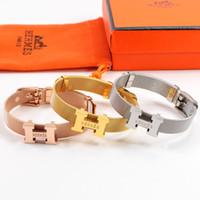 ingrosso lettera h-Braccialetto creativo con cinturino con logo delicato lettera H braccialetto per coppia Braccialetto in acciaio al titanio da donna