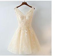 koreanische neue mode abendkleid großhandel-2019 New Lace A-Line Kristall Abendkleider Short Style Korean Fashion Prom Kleider V Kragen Ärmelloses Abziehbild Homecoming Kleider