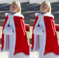 boda de capa roja al por mayor-Red Nueva capucha muchachas de flores del Cabo encargo barato para la boda Capas de Navidad de marfil blanca de piel falsa de novia de invierno envuelve la chaqueta con manguitos