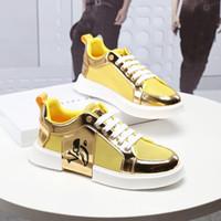 ingrosso pizzo web-2019x famoso lusso traspirante casual sportive scarpe da Volare Web Lace Up scarpe sportive in pelle verniciata superficie superiore qualità dei pattini casuali formato 38-44