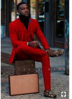 ingrosso giubbotto in argento mens-Smoking rosso formale dello sposo Notch Risvolto Groomsmen Mens Abito da sposa Popolare Giacca uomo Giacca 3 pezzi Suit (Jacket + Pants + Vest + Tie)