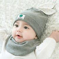 ingrosso cappelli coniglietto neonato-2 Pz / set Bambino 100% Cotone Cappello Del Fumetto Stampato Bunny Orecchio Bambino Caldo Caps Triangolo Asciugamano Neonato Accessori per 0-2 Anni