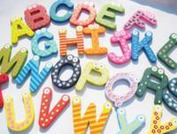 brinquedos de aprendizado magnético para crianças venda por atacado-Brinquedos de aprendizagem Ímã do Refrigerador Criança Colorida 26 Letras Forma Brinquedos de Aprendizagem De Madeira Magnético Criança Crianças Brinquedos Ímãs