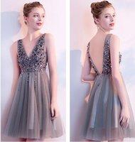 New Cocktail Dresses V Neck Sparkly Short Prom Dresses Backless Evening Party Dress Elegant Sexy Homecoming Gowns Vestido de Festa
