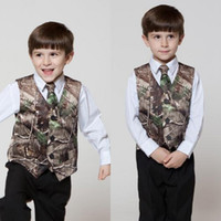vestidos formales para hombre. al por mayor-2019 Nuevo traje formal de camuflaje para niño Little Boy Hunter Slim Fit traje de chaleco para hombre (chaleco + corbata) Vestido de chaleco de boda de campo Hecho a medida