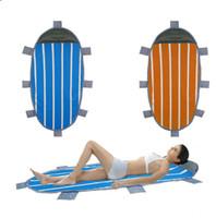 almohadas de aire para acampar al por mayor-Colchoneta de playa plegable con almohada inflable Rollo Camping Pesca Colchón de aire Picnic Actividades al aire libre Dormir Estera de picnic OOA6459