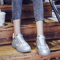 strass schuhe verkauf großhandel-2019 Frühling und Sommerdamen neue heiße Verkauf Rhinestones alte Schuhe koreanische Version der wilden Art und Weisekristallschuhe transparente untere Frau