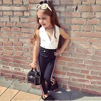 beyaz kolsuz pantolon takımları toptan satış-Ins Yaz Bebek Kız Set Çocuklar Kolsuz Kruvaze Beyaz Yelek Üst + Pantolon Kız 2 adet Giysi Set Çocuk Kıyafetler Giyim Suits 4385