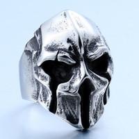 anéis de crânio exclusivos venda por atacado-Mens Jóias Único Punk Gótico Crânio Máscara de Aço Inoxidável Legal Motociclista Anel Vintage - Prata Preto - Por Anéis De Companheiro
