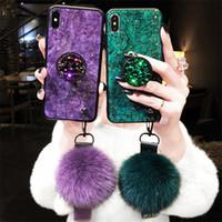 étui iphone dragonne achat en gros de-Marbre Crack Lisse Hairball Main Dragonne Titulaire Glitter Feuille D'or Chaud Luxe Femmes Cas pour iPhone Xs Max X 7 8 Plus