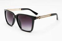 óculos de sol de luxo mens venda por atacado-2019 venda quente moda óculos de sol para homens mulheres de luxo mens óculos de sol retro óculos de sol senhoras designer de vidro sol