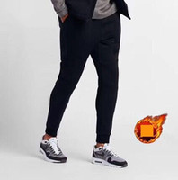 calças de lã padronizadas venda por atacado-Designer de Inverno Velo Mens Calças Com Padrão Logotipo Calças de Outono Cor Sólida Calças Esportivas de Luxo Calças Grossas Roupas Casuais M-5xl