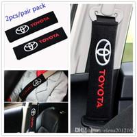 ingrosso sedile auto in cotone-2pcs / set rilievi di spalla delle cinture di sicurezza in cotone universale moda copre emblemi per Toyota Badge accessori auto auto-styling Fit tutte le auto