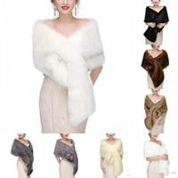 mantón nupcial invierno al por mayor-En Stock Abrigos nupciales Chaquetas de boda de piel sintética Moda Mujer Cubrir capas para invierno Navidad Shrug Shawl Bolere CPA1604