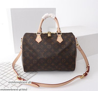 Wholesale men s messenger bags for sale - Group buy 40391 Hot Men And Women S Messenger Shoulder Bag Chain Retro Real Leather N
