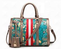 modèles américains chauds achat en gros de-Hot marque modèles de mode européenne et américaine mode Boston PU sacs à main Big ladies sacs à main dames banlieue Messenger sac livraison gratuite