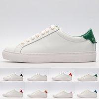 ingrosso scarpe da ginnastica da sposa bianco per le donne-Con Box 2019 New White Leather Designer Sneakers con stelle perforate Uomini Donne Abito da sposa di moda Scarpe da ginnastica di lusso per gli appartamenti