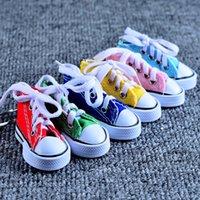 ingrosso portachiavi di pattino di modo-Moda Mini 3D Sneaker Portachiavi Scarpe di tela Portachiavi Scarpe da tennis Mandrini Portachiavi Bomboniere 7.5 * 7.5 * 3.5 cm Mix COlor XD20893