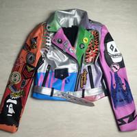 панк шипованная куртка оптовых-Укороченные кожаные куртки Женщины Хип-хоп Красочное пальто с шипами New Spring Ladies Motorcycle Punk Укороченная куртка с поясом