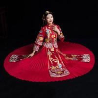 heiratkleid rot großhandel-Braut-Stickerei Cheongsam Weinlese-chinesisches Art-Hochzeits-Kleiderretroast-Kleidungs-Dame Phoenix Gown Marriage Qipao rote Kleidung
