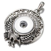 strass diamant geformte tasten großhandel-Der neu erschienene Adler-Formknopf sieht gut aus mit rhodiniertem rundem Diamanthalskettenanhänger mit Strassknopf