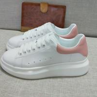 hombres vestido rosa al por mayor-Nueva moda mujer diseñador zapatillas hombre zapatos casuales con zapatos de vestir de calidad superior con cordones de cuero genuino hasta zapatillas de terciopelo rosa 35-46