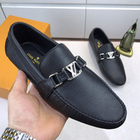 Wholesale best quality loafers men resale online - Best quality Designer fashion luxury new men shoes printing leather Flat penny shoes metal button Peas shoes casual shoess Size