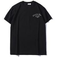diseño de moda tees hombres al por mayor-Nueva Venta Caliente Hombres Mujeres Camisetas Moda de Verano de Manga Corta Diseño Clásico Ropa de Impresión Unisex Casual Tees
