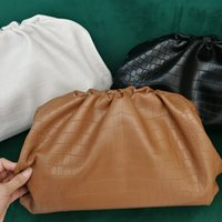 inek deri çanta deseni toptan satış-Tasarımcı Hakiki İnek Deri Bulut Çanta Yumuşak Buruşuk Mantısı Çanta Omuz Çantası Manşonlar Crossbody Çanta Timsah Cilt Desen