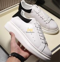 sapatas do falt venda por atacado-Top Quality 2020 Lace-up Casual Platform Men Women Shoes Balck White Golden Leather Falt Sneakers fashion Men women Shoes with box