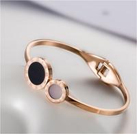 jóias dias titânio venda por atacado-Rose gold feminino pulseira de moda Roman digital shell pulseira de aço feminino titanium jóias presente do dia dos namorados